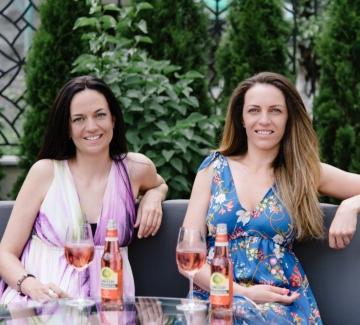 Вечно лято: Стаси и Лила от Fetski