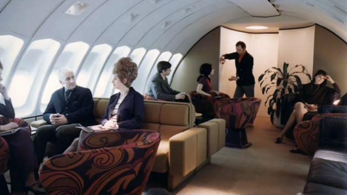 Когато самолетите бяха с фотьойли, кино и пиано бар на борда