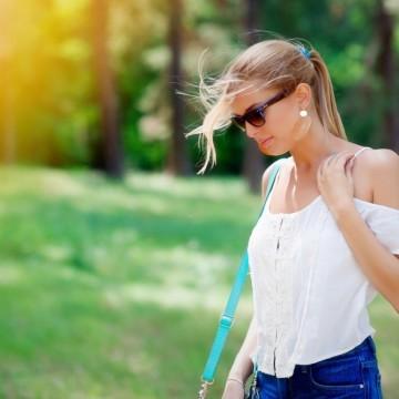 С целуната от слънцето коса – ето как