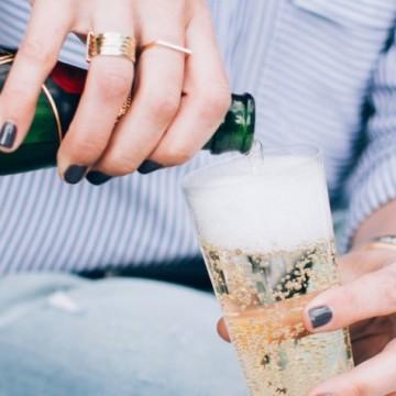 Шампанско в хладилника? Спрете да го правите!