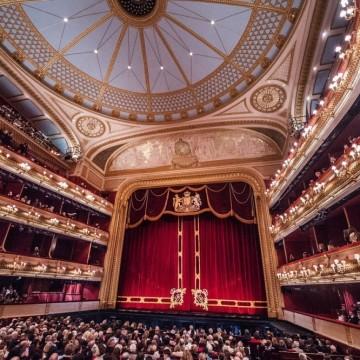 """Драма в Кралската опера или как един зрител спаси представлението на """"Бохеми"""""""