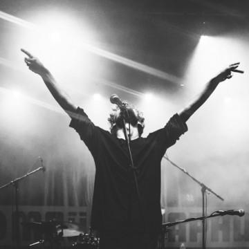 5 нови бг албума, с които пътят до морето е песен