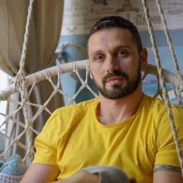 Александър Сано: Сътворил съм си крила