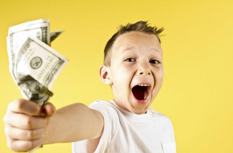 """Децата, парите и кошмарът """"нова учебна година"""""""