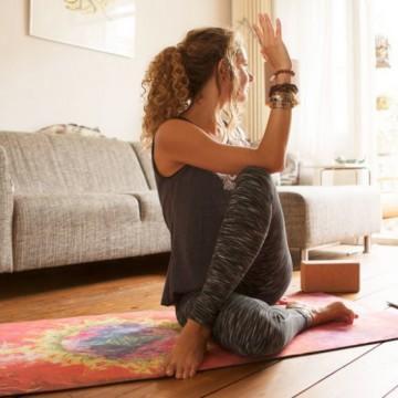 5 страхотни канала в YouTube, с които да правите йога