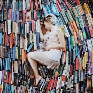 Момичето, което идва от Страната на книгите