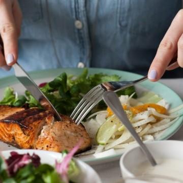 Топ 5 храни, които не бива да ядете, ако кожата ви е предразположена към акне