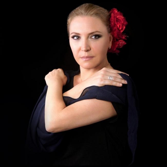 Подаряваме ви 2 билета за концерта на Елиане Елиас, с който се открива Пловдив Джаз Фест