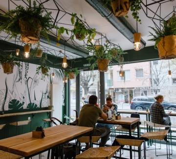 Ново място за брънч и сладки приказки в София