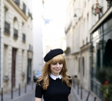 Красива, по-красива, французойка