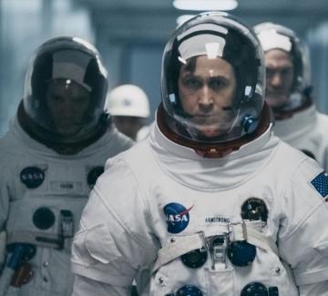 """""""Първият човек"""": Нийл Армстронг, Райън Гослинг и превъзходно кино"""