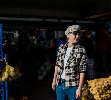 Днес носим: Сако от туид, каскет и мъжки джинси