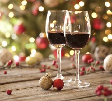 Кажете ни за кого е,  а ние ще ви кажем какво вино да подарите!