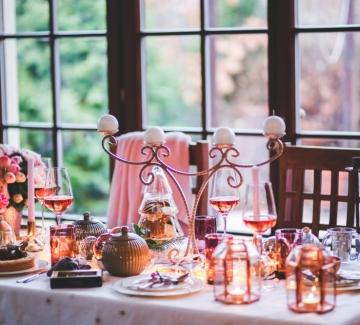 Това е вашата маса и вашата Коледа. Направете я красива!