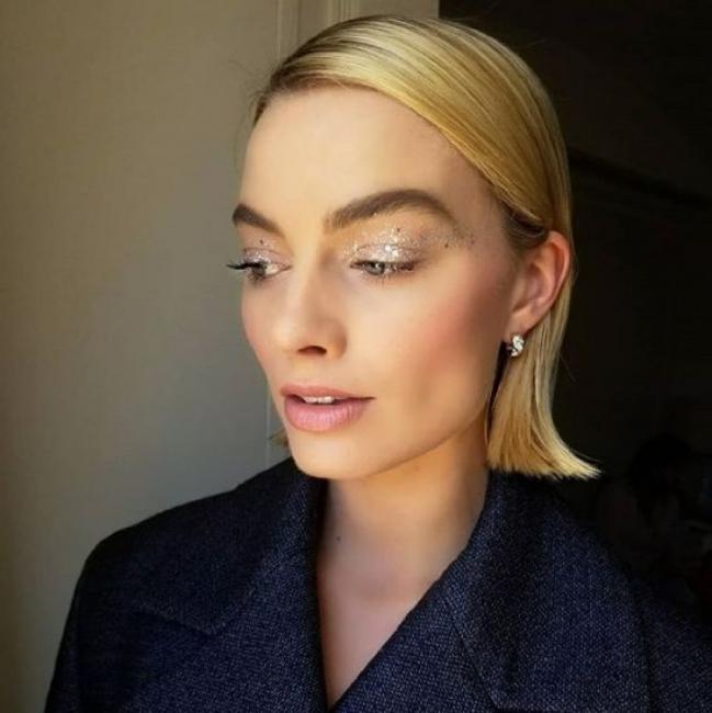 Barbie on board: 9 любими бюти визии на Марго Роби