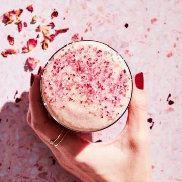 Какво е pink latte и защо всички говорят за него