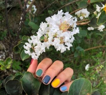 24 идеи за красив многоцветен маникюр
