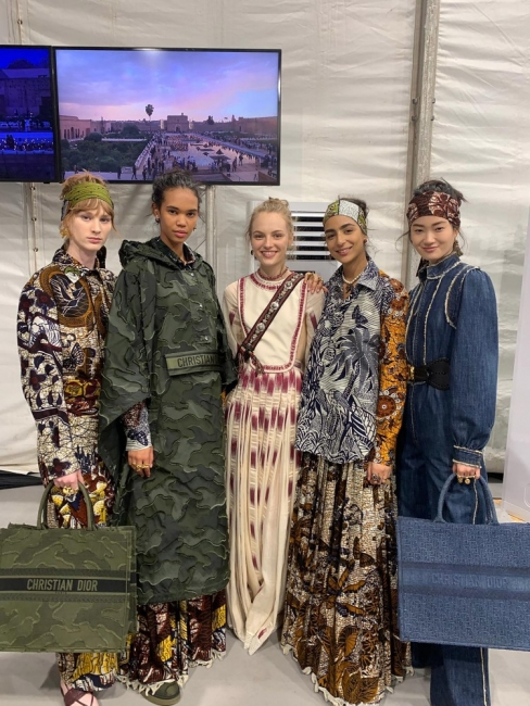 Зад кулисите на модното шоу на Dior в Маракеш