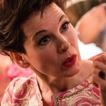 """Рене Зелуегър е съвършена като Джуди Гарланд в трейлъра на """"Джуди"""""""