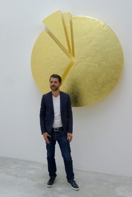 Изложбата на Стефан Николаев, която иронизира клишетата