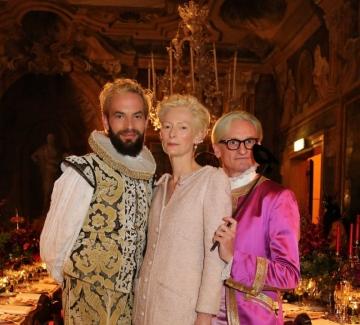 Поглед през ключалката на бала на Dior във Венеция
