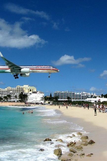 Плажове до летището? Да, такива съществуват!