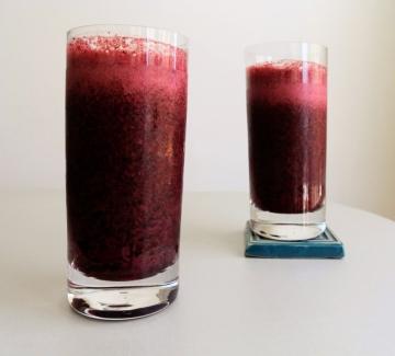 Вкусно по природа: Разхлаждащ шейк от боровинки