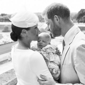 Принц Арчи бе кръстен, кралицата я нямаше