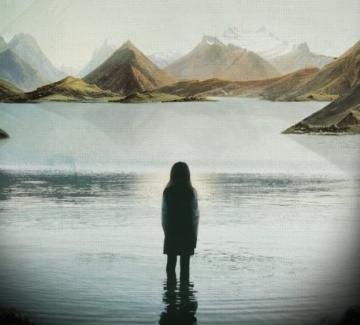 """""""Повърхността на езерото"""" – един много женски сериал"""