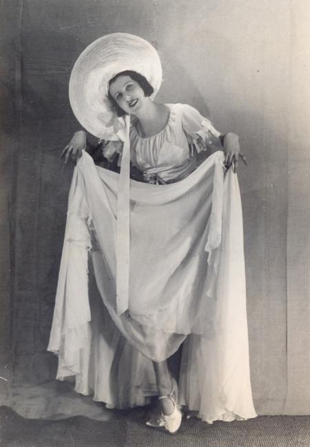 Фео Мустакова - танцьорката, покорила света