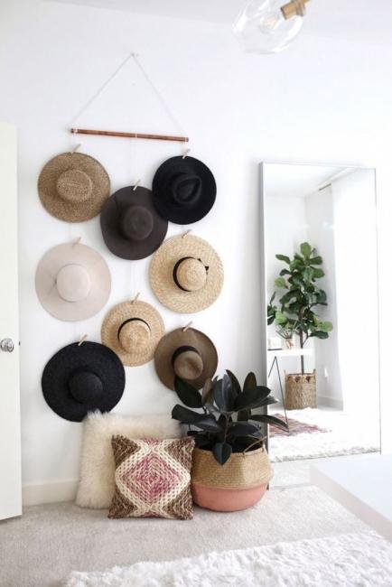 22 вдъхновяващи идеи с шапките като част от интериора
