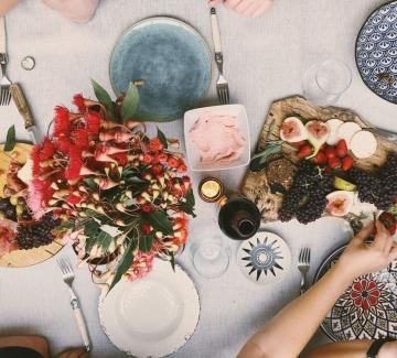 Като парижанките: Изкуството да приготвяме вечеря за приятели