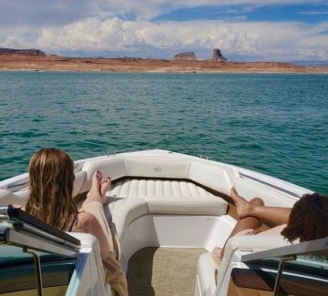Адел и нейното момичешко лято. Да, girls just wanna have fun!