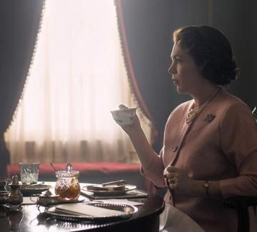 """Оливия Колман блести като Елизабет II в новия сезон на """"Короната"""""""