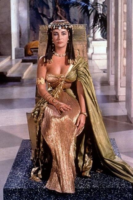 Легендарният парфюм на Клеопатра