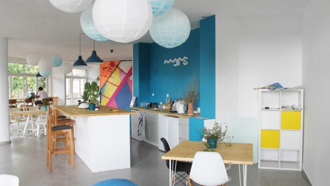 Studio More в Синеморец: Мястото, което ни позволява да работим и от морето