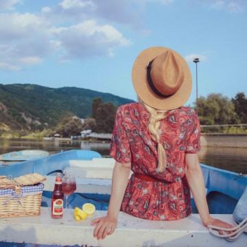 Лято в чаша с коктейл Airmail