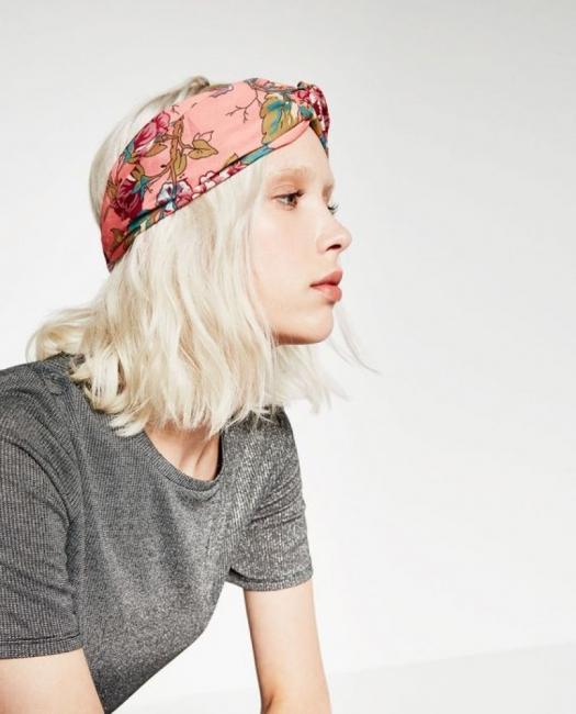 19 идеи за коса, прибрана в цветен шал