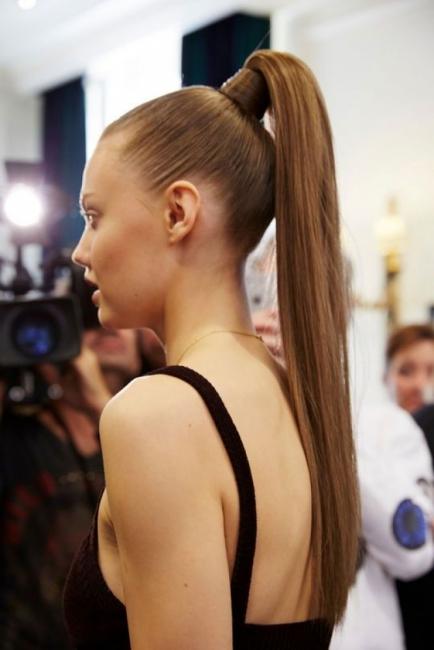 19 идеи как да носим модерната конска опашка