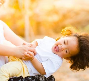 За говоренето, гушкането и глезенето