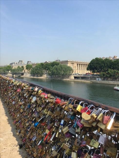 """Мостът """"Пон дез Ар"""" – 155 метра любов"""