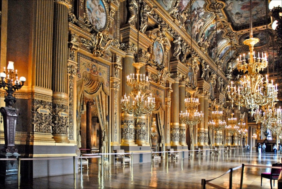 Opéra Garnier – незаменимото бижу на Париж