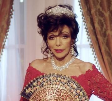 Джоан Колинс е звезда в коледната кампания на Valentino