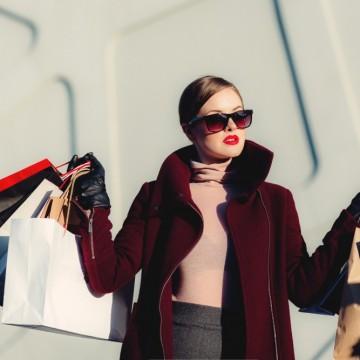 Защо жените трябва да спестяват повече от мъжете?