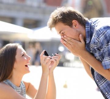 3 жени, които предлагат брак на любимия си мъж