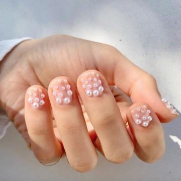 23 идеи за маникюр с перли