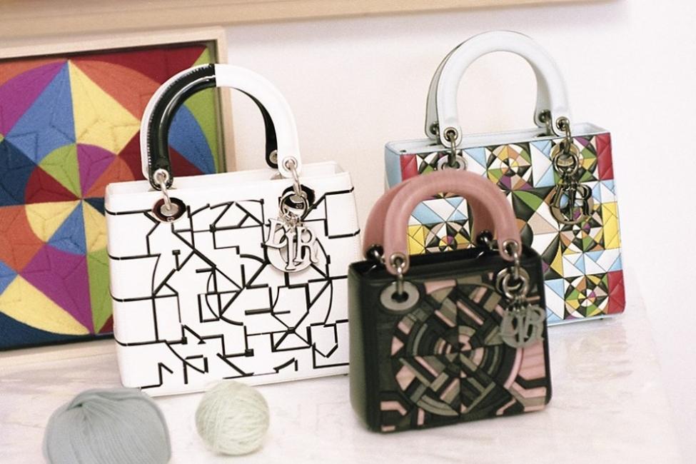 Как известни художници преобразиха най-известната чанта на Dior?