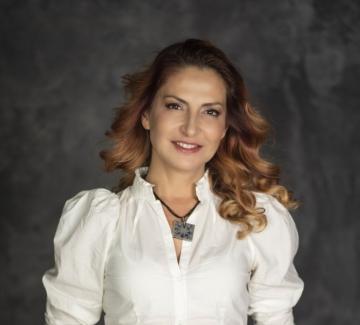 """Ива Дойчинова: """"Човек е най-малкото общо кратно между всички хора, с които се среща"""""""