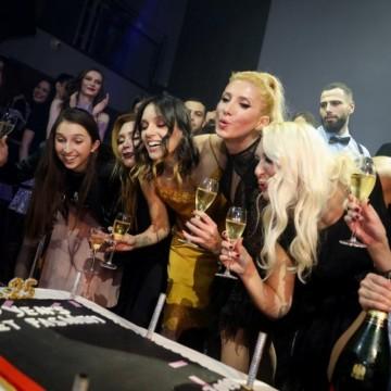 """Модна агенция """"Ивет Фешън"""" с грандиозно парти за 25-годишнината си"""