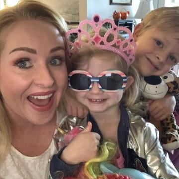 7 момичета, които ни показват какво е да си майка и инфлуенсър едновременно